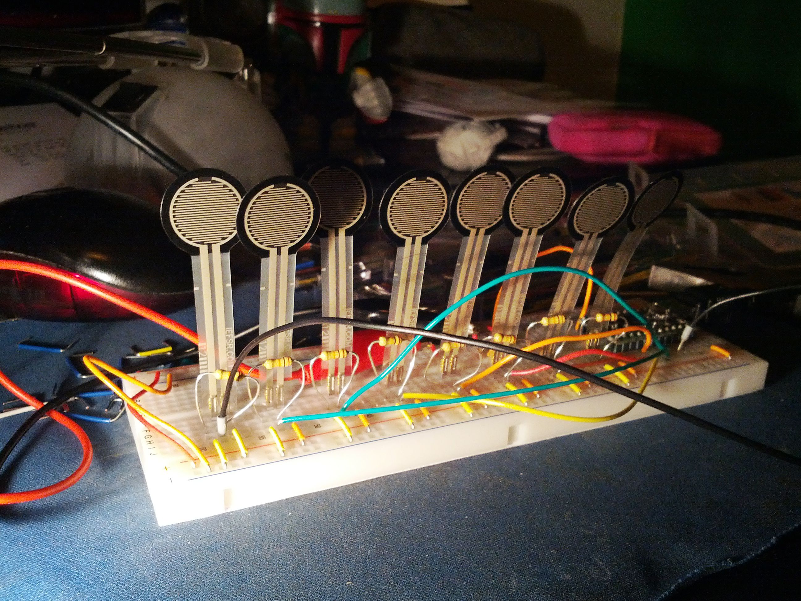 Breadboard with eight FSRs